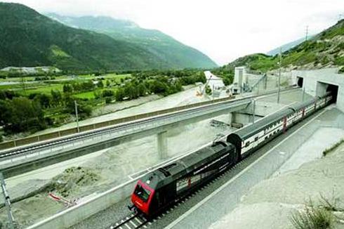 世界上最长的陆上隧道瑞士的勒奇山隧道